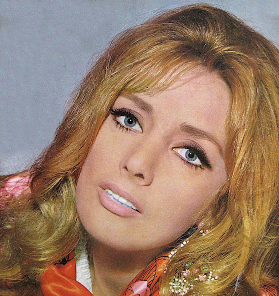 Sylvia Sanchez (b. 1971) Erotic pic Jillian Armenante,Alek Wek SUD 2001